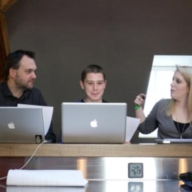 Wer möchte, kann bei uns auf dem Mac arbeiten