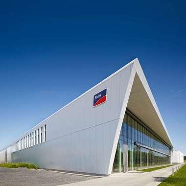 CO2-neutrale Produktion in der weltgrößten Solar-Wechselrichterfabrik