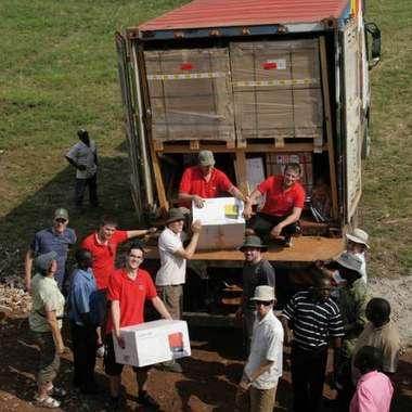 Engagement: Ehrenamtliche Helfer beim Einsatz in Uganda