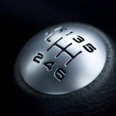 In der Automotive-Branche entwickeln wir in den Bereichen PowerTrain, Interieur und Chassis & Safety.