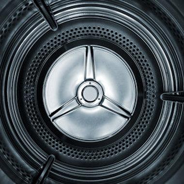 Im Bereich Hausgerätetechnik entwickeln wir Hard- und Software u. a. für die Bedienung und Steuerung von Waschmaschinen und Kochherden.