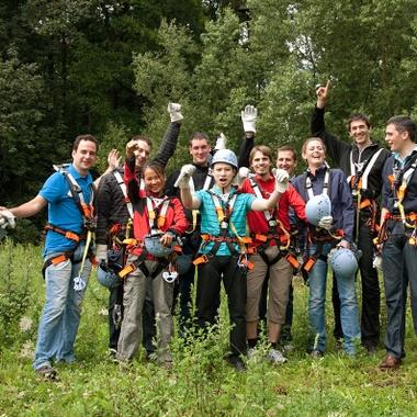 Hohe Teambindung durch gemeinsame Events - z.B. im Klettergarten