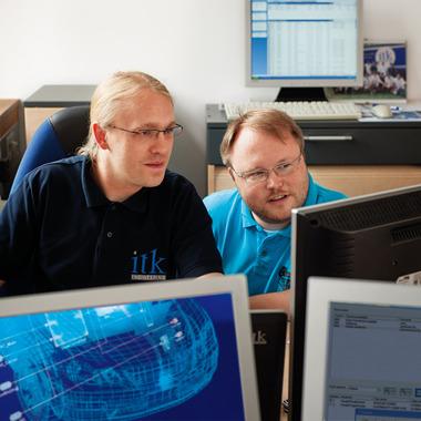 Unsere Ingenieure und Informatiker arbeiten an innovativen Lösungen