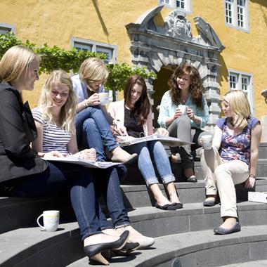 Studieren bei der ADG Business School
