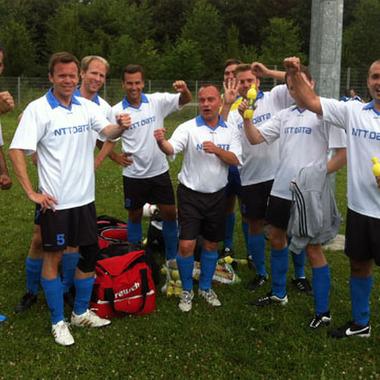 NTT DATA spielt mit beim Charity-Fußball-Turnier MCCC