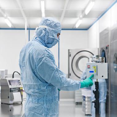 Arbeiten unter Reinraumbedingungen in der Pharmazie