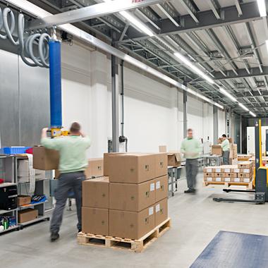 Logistik – Arbeiten im GMP-Lager für pharmazeutische Erzeugnisse