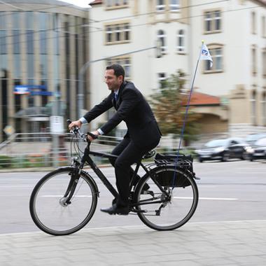 Mit den Fahrrädern aus unserem Fuhrpark geht's umweltfreundlich und schnell zum Kundentermin.