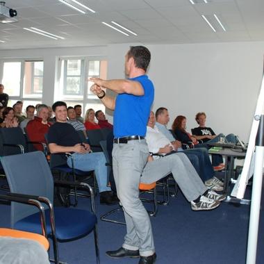 Dynamischer Vortrag - Der Körper in Balance - von Mag. Putscher im Rahmen der Kick-Off-Veranstaltung von pumperl g´sund, dem Betrieblichen Vorsorgeprogramm von CGM in Österreich.