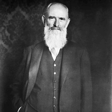 """Im Jahr 1886 gründete Robert Bosch die """"Werkstätte für Feinmechanik und Elektrotechnik"""" in Stuttgart. Von Beginn an prägte Innovationskraft und soziales Engagement die Firmengeschichte."""