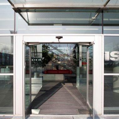 Eingang zum Isovolta Headquarters