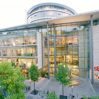 Zentral gelegen direkt an der Königsallee in Düsseldorf: unsere Location