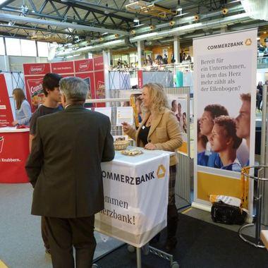 Die Commerzbank auf einer Jobmesse - alle Termine findest unter: http://on.fb.me/WoauE2