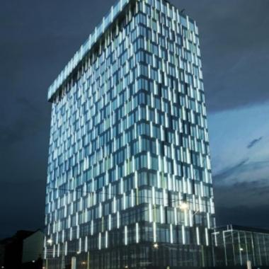 Seit Anfang September 2008 ist der Power Tower ? ein Vorzeigeobjekt an effizienter Energienutzung - die neue Konzernzentrale der Energie AG.