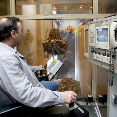 Unsere Tochtergesellschaft AVE Umwelt GmbH kümmert sich um die Entsorgung und Wiederverwertung von Abfällen aller Art.