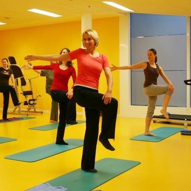 Zur Förderung der Gesundheit unserer Mitarbeiterinnen und Mitarbeiter wird ein umfassendes Bewegungsprogramm im Rahmen von Freizeitseminaren angeboten.