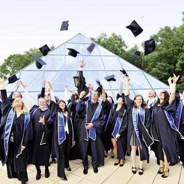 Unsere FHDW Absolventen