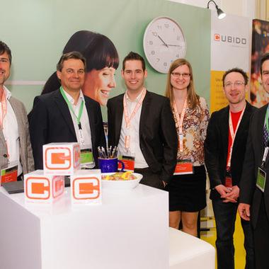 cubido-Team mit Georg Obermeier (Geschäftsführer von Microsoft Österreich, 2.v.l.) am Microsoft Day 2013 in der Wiener Hofburg