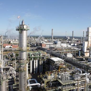 Blick auf die Anlagen im Chemiepark Marl.