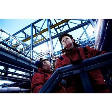 Ingenieure mit 800xA Leitsystem auf Gasanlage
