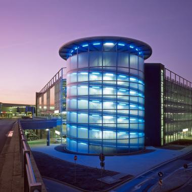 Unser Produkt Parkhaus: Hier am Flughafen Hannover
