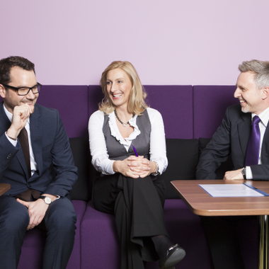 Eine kleine Pause für zwischendurch. Möglich in der neu gestalteten Nestlé Lounge. Hier: Unsere Mitarbeiter Michael Edelmann, Elke Labusga und Helge Köhlbrandt