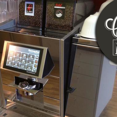 An dieser Stelle möchten wir Euch den vollautomatischen Retarus-Mitarbeiter des Monats vorstellen: Unser Kaffeeautomat in der Retarus-Cafeteria.