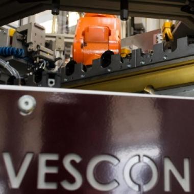 Sondermaschinenbau - Roboterzellen für Schaltmagnetmontage bei MSG