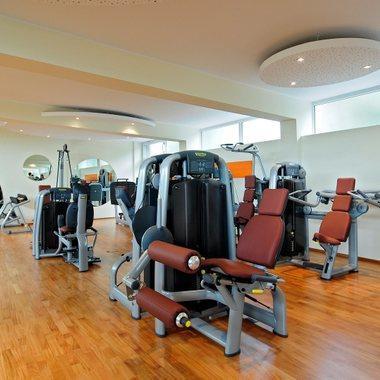 Sport hält fit und gesund. Vorwerk Mitarbeiter können sich im eigenen Vorwerk Fitnessstudio vor oder nach der Arbeit fit halten