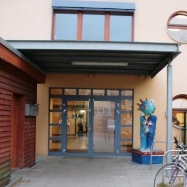 Eingang Konsultationskita Asta-Nielsen-Straße