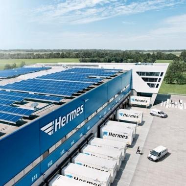 Photovoltaikanlage auf dem Dach des Langenhagener HUBs