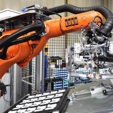 Die Spannbreite der Projekte im Bereich Sondermaschinenbau reicht von manuellen Montageplätzen bis hin zu vollautomatisierten Anlagen.