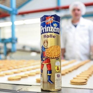 Zum Sortiment von Griesson - de Beukelaer gehört auch die Prinzen Rolle: Ein echter Klassiker, der schon seit 1955 am Standort in Kempen hergestellt wird