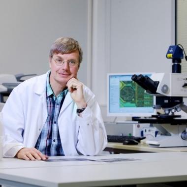"""""""Bei Infineon ist mein Wissen als Fachexperte gefragt. Dank der Expertenkarriere """"Technical Ladder"""" habe ich als Principal eine Position vergleichbar mit dem Senior Management"""" Jürgen Wagner, Process..."""