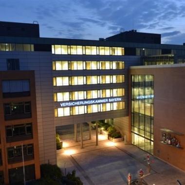 Gebäude Giesing bei Nacht