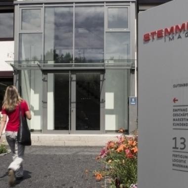 Der Eingang zu unserer Firmenzentrale