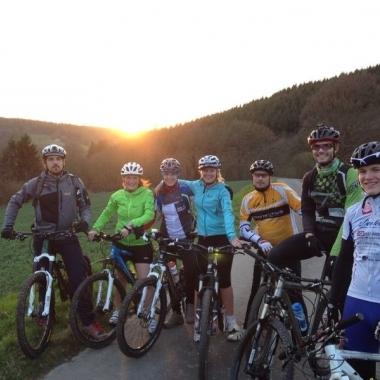 Mountain Bike Tour durch die Abenddämmerung rund um Idstein - März 2014