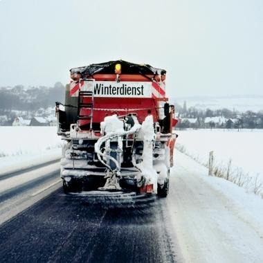Eisfrei: K+S-Auftausalze halten Straßen und Autobahnen schnee- und eisfrei und gewährleisten ein hohes Maß an Verkehrssicherheit.