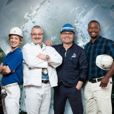 Spezialisiert: Unsere Bergleute sind Spezialisten. Sie lösen ihre Aufgaben verantwortungsvoll, gemeinsam im Team und im gegenseitigen Vertrauen.