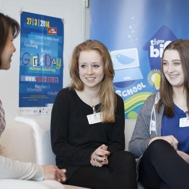 Girls' Day 2014 bei Telefónica (mehr Details auf unserem Unternehmensblog unter http://blog.telefonica.de/2014/03/girls-day-2014-maedchen-tauchen-in-die-digitale-arbeitswelt-ein/)