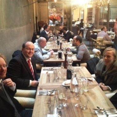 Die schöne Seite des Beraterlebens - das Xenium-Projektteam beim Abendessen in Basel