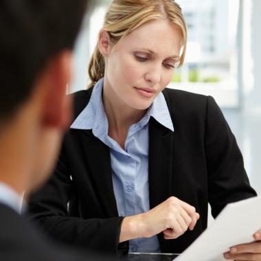 Wir suchen Mitarbeitende, die mit ihren fachlichen und persönlichen Kompetenzen überzeugen und eine engagierte und kundenorientierte Leistung anstreben.