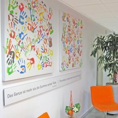 Wachstum & Vielfalt: Über 300 Mitarbeiter aus 23 Nationen – Tendenz steigend ...