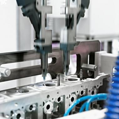Automatischer Schraubprozess