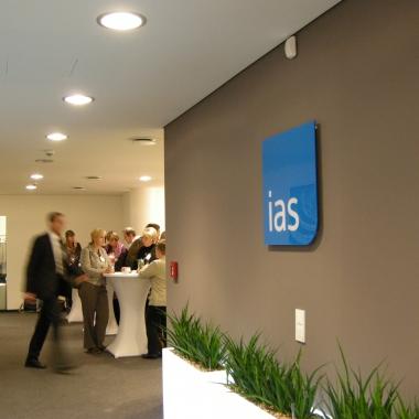 Die ias –  hier der Standort in Berlin – lädt regelmäßig zu externen wie internen Veranstaltungen ein, für fachlichen Austausch und das berühmte 'Networking'.