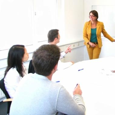 Talentierte KollegInnen werden von sepp.train zu Referenten ausgebildet und können so ihren Tätigkeitsbereich ausweiten.
