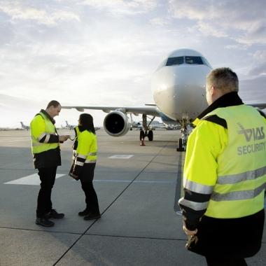 Auch Zutrittskontrollen und Flugzeugüberwachung zählen zu unseren zahlreichen Aufgaben.