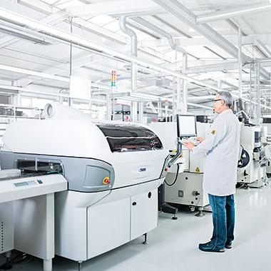 Durch unsere qualifizierten MitarbeiterInnen und unseren modernen Maschinenpark können wir den hohen Ansprüchen unserer Kunden gerecht werden.