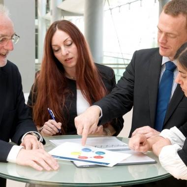 Im Boehringer Ingelheim Center können Einzelbüros, Teamräume und großräumige Multifunktionszonen variabel aufgeteilt und flexibel genutzt werden
