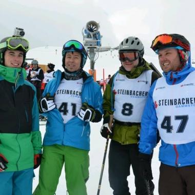 Auf die Piste fertig los. Das Abschlussrennen ist immer das Highlight unseres Skiausflugs.